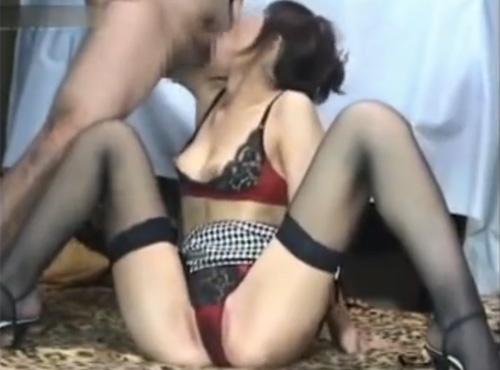 インテリ熟女性誌45歳教育ママがPTAの集まりで知り合った男と不倫セックスに溺れる動画