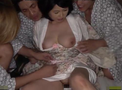 温泉旅館の女将が犯されていながら何度も絶頂するfc2アダルランキング無料性交動画