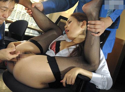 残業中の社長秘書が清掃員に襲われ女性器を濡らすごうかん 無料動画